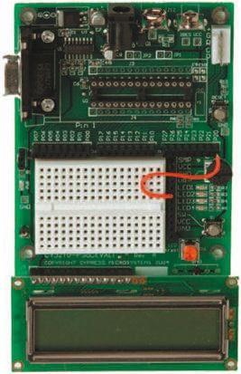 板载 lcd 模块,电位计,led 和试验电路板 miniprog 单元通过 usb 2.