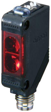 Omron Retro-reflective Photoelectric Sensor 4 m Detection Range PNP IO-Link IP67 Block Style E3ZR86IL3OMS
