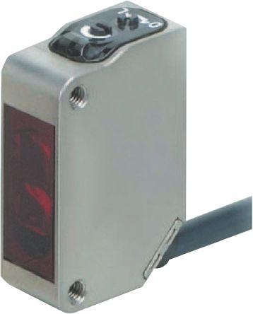 Retro-Reflective Photoelectric Sensor 10 -> 150 mm Detection Range PNP IP69K Block Style E3ZM-LS82H 2M product photo