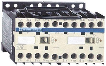 Contacteur d'inversion avec contacts 3NO, 6 A, 24 V c.c.